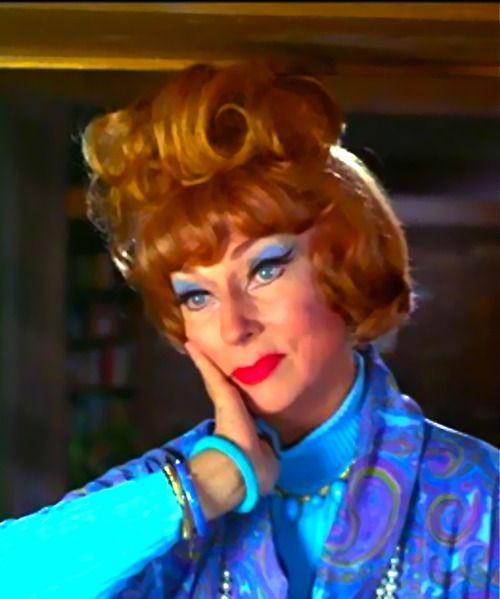 Agnes Moorehead as Endora, Bewitched. LOVED HER IN HUSH HUSH SWEET CHARLOTTE!