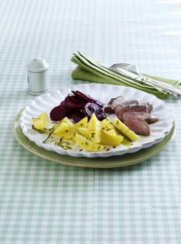 Unser beliebtes Rezept für Zitronen-Kartoffeln aus dem Ofen mit Lammlachs und mehr als 55.000 weitere kostenlose Rezepte auf LECKER.de.