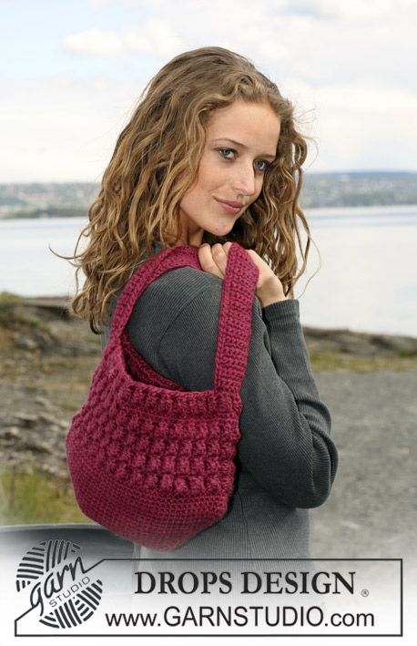 "Free pattern: Crochet DROPS bag with Popcorn-pattern in ""Eskimo"". ~ DROPS Design"