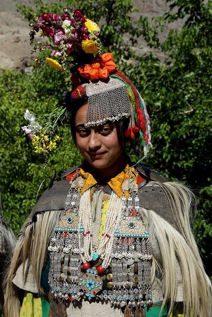 india - traditional dances and culture of the brokpa ...