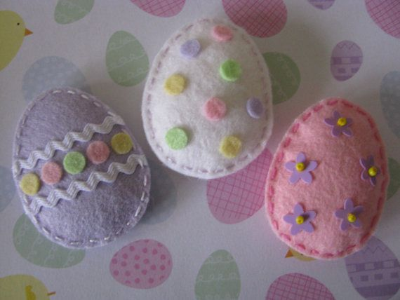 3 Handmade Puffy Felt Easter Egg Appliques by thesupplyboutique. $3.75 USD, via Etsy.