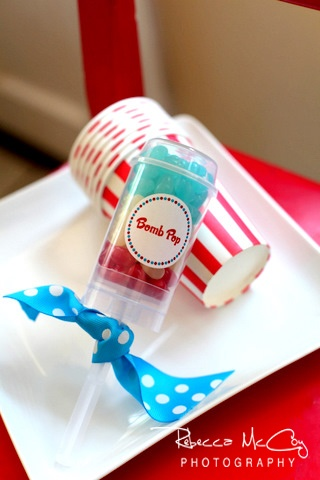 Push pop cupcakes - 4th of July or Olympics or change the colors to suit your party theme