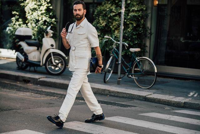 Revue en images des meilleurs looks de rue masculins pris sur le vif par Jonathan Daniel Pryce à la Fashion Week printemps-été 2018 à Milan.