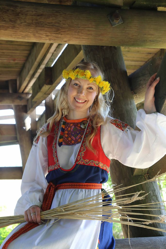 Finnish folk costume