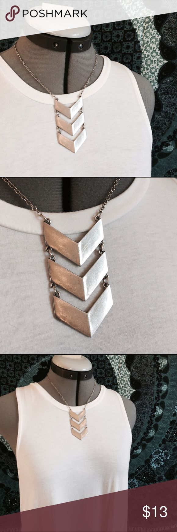 Silver 3 arrow necklace NEVER WORN NWOT silver 3 tier arrow necklace Jewelry Necklaces