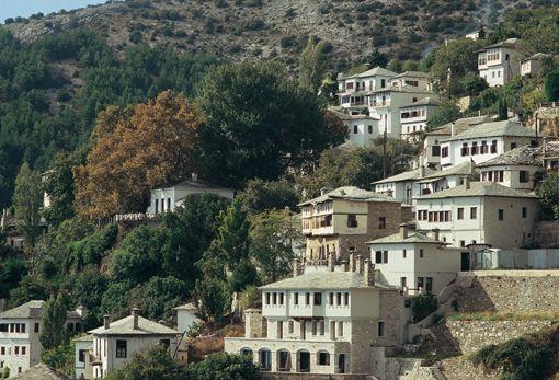 VISIT GREECE|  Traditional Architecture in Makrinitsa village, Pilion, Thessaly ©GNTO/ SKOULAS