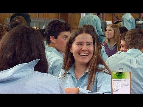 Μαθητές διδάσκονται πώς να είναι ευτυχισμένοι - learning world