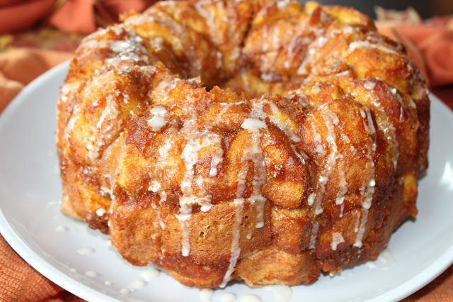 Featured at #CreateItThursday: Pumpkin Monkey Bread with Maple Drizzle