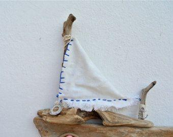 Driftwood grande barca a vela, Driftwood Art, decorazione nautica, barca in legno, Oggettistica per la casa, Decor costiere, nave a vela, spiaggia decorazione