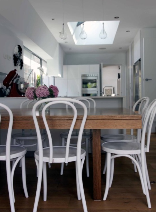 the eternally fresh and amazingly versatile thonet no 18 bentwood chair in white