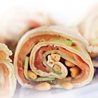 Frisse wraps met gerookte zalm en komkommer / Fresh wraps with smoked salmon and cucumber - Lunchgerecht