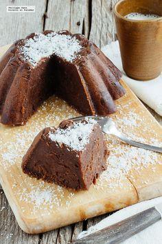 Pastel frío de chocolate y yogur griego. Receta con fotografías del paso a paso y recomendaciones de degustación. Receta de pasteles de chocolat...