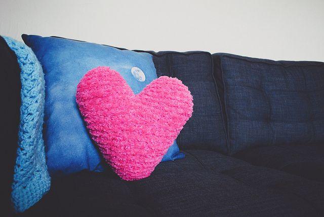 Knitting Pattern Heart Cushion : Pin by LoveKnitting on Knitting & Crochet for Valentines Day Pinte?