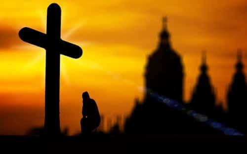 I➨ I➨ I➨ El credo católico, conoce la oración del credo, incluye explicaciones sobre el credo corto, largo o completo y niceno constantinopolitano.