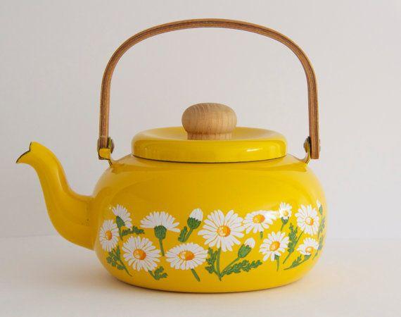 Vintage Enamel Teapot - Mustard Yellow - Daisies - SeglesNestBoutique, SOLD!