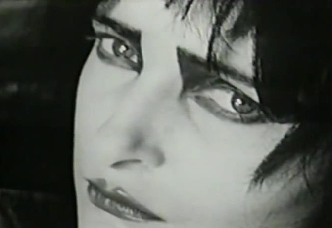 I love Siouxsie's eyeliner <3                                                                                                                                                                                 More