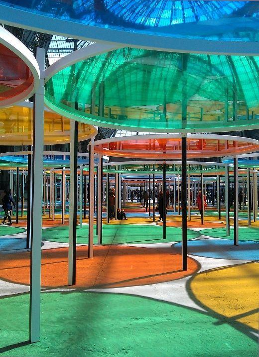 monumenta 2012 daniel buren - sous les cercles de couleurs