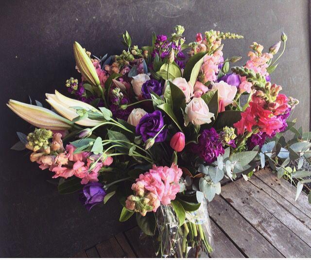 Flowers. Pink. Purple. Roses. Summer. Spring. Ida Bjerhem. Brisbane. Retro. Sverige. Sommar. Äng. Bukett. Bröllop. Blommor.