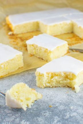 Einfacher Zitronen-Blechkuchen mit Zuckerguss (vegan)