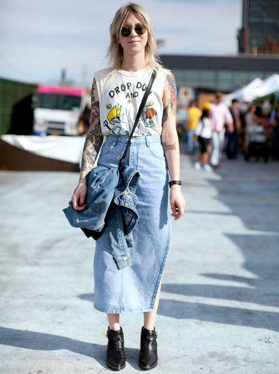 look-street-style-saia-midi-jeans-oculos: