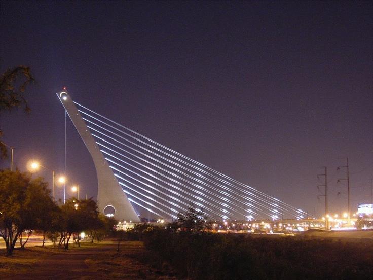 Unity Bridge, Monterrey, Nuevo León, México.