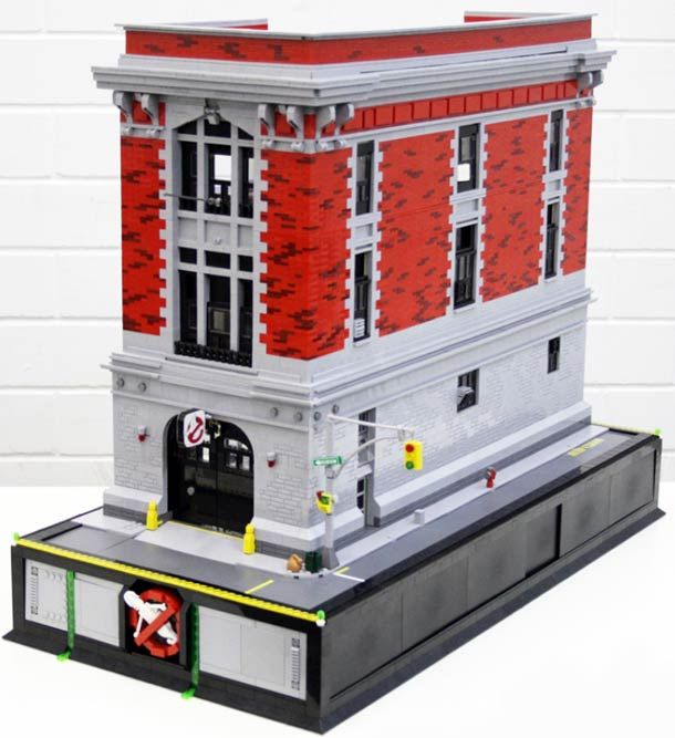 THE GHOSTBUSTERS BUILDING RECREATED IN LEGO