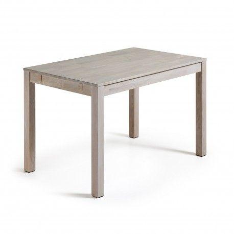 Mesa extensible INDRA de madera de roble macizo en acabado blanqueado encerado. Una mesa muy elegante sin perder la esencia del roble.  Las medidas son: 120-200 cm. de ancho x 75 cm. de fondo x 75 cm. de altura. Su peso es de 42 kg. El grosor de las patas es de 7x7 cm. y el espesor del tablero es de 2 cm.  Las extensiones se guardan por separado.