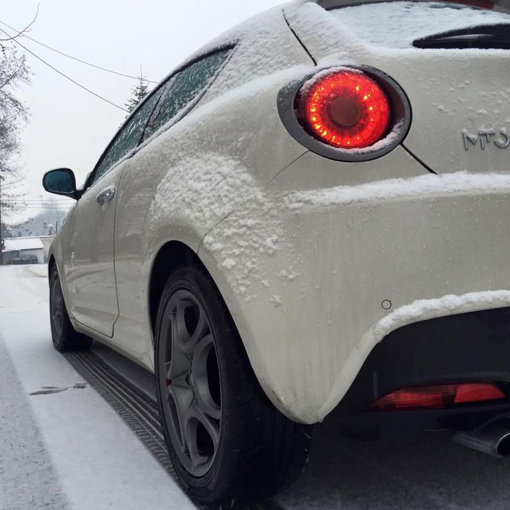 Angelo with his MiTo in snowy Aridaia!