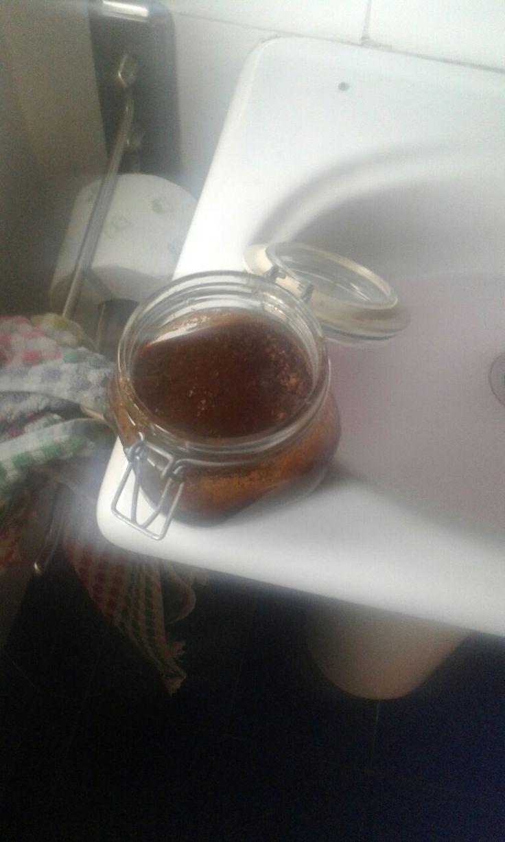 scrub dimagrante, funziona, ho perso 3 kili in 2 settimane sulla pancia, Ingredienti: caffè liquido, sale grosso e fino , olio e zucchero. FATELO ASSOLUTAMENTE