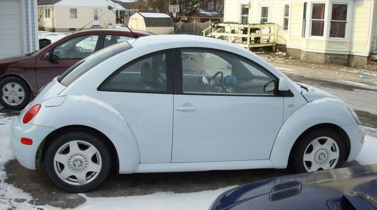 Example of Vapor Blue paint on a 2000 Volkswagen Beetle