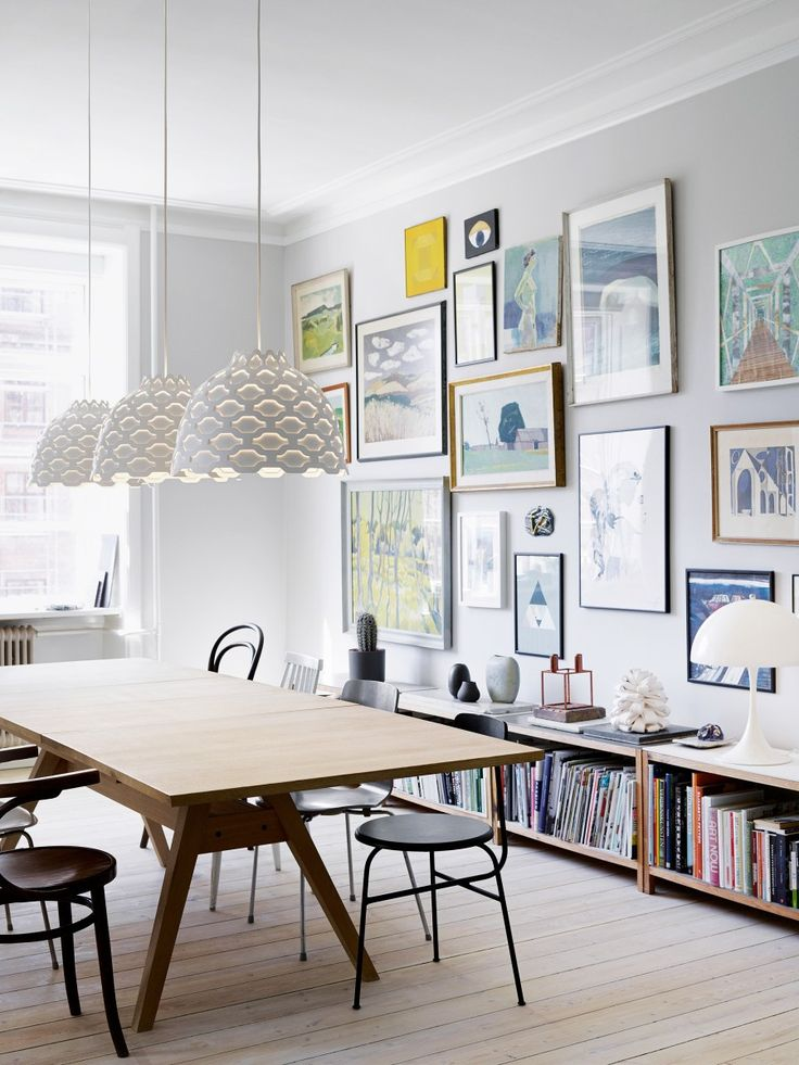 Nieuw bij #Flinders ! Het ontwerp van de #LC Shutters #hanglamp volgt helemaal de lichtfilosofie van #LouisPoulsen. Deze filosofie stoelt op drie principes: comfort, functie en ambiance. Deze lamp verdeelt het licht op een regelmatige, behaaglijke manier. Nu verkrijgbaar bij #Flinders in de kleur wit of met gekleurde vakjes.
