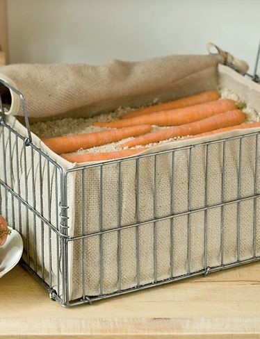Root Crop Storage Bin- root veggies like carrots and beets will stay fresh all winter, just fill with layers of damp sand or sawdust, alternating with layers of carrots or beets, and put in a cool, dark place. Potatoes, turnips and squash can go right in the bin without sand. - ruggedthug