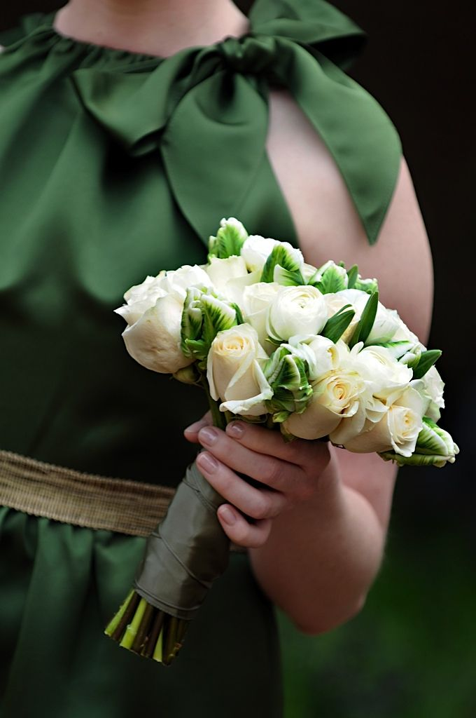 Emerald and White Bridesmaid Bouquet #coloroftheyear