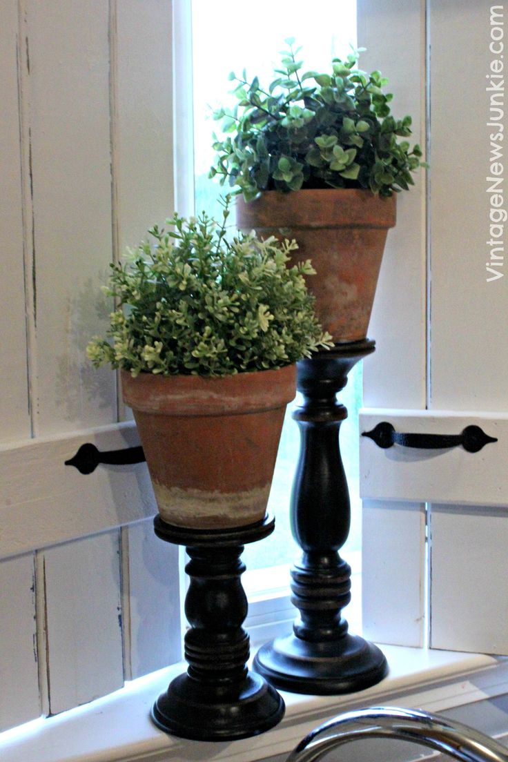 The Ultimate One Minute Craft DIY Topiary Pillars - I like the pillars for height