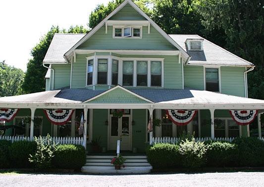 The Vine Cottage Inn Bed and Breakfast Inn: Beach House, B B, Cottage Inn, Cottages, Adequate Houses, Cozy Inns