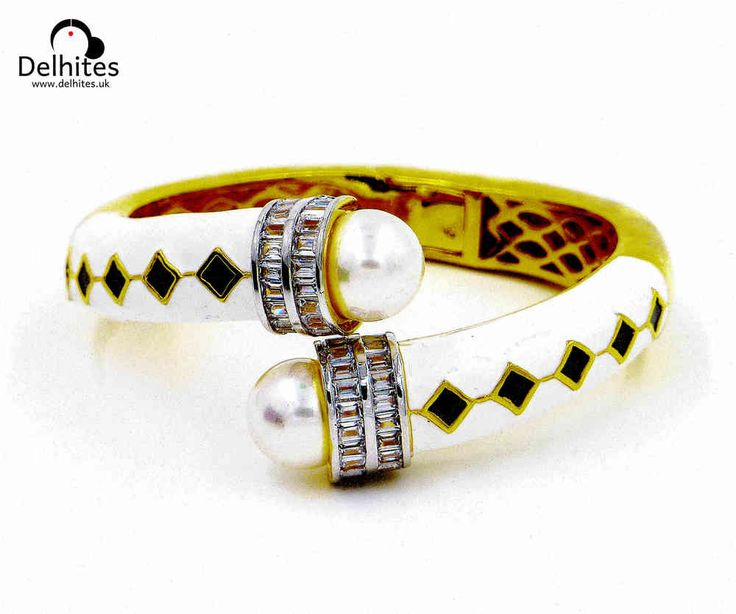 Kamna: 22 carat Gold Plated Hinged Bracelet: Cubic Zirconia