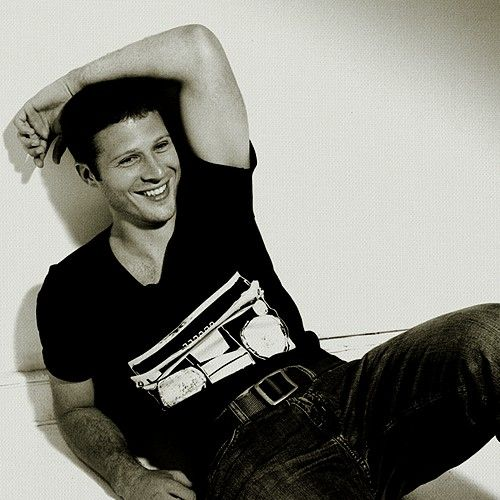 Zach Gilford...seriously everybody who was casted in FNL had to meet an attractiveness qualification because THEY'RE ALL HOT AS FUCK.
