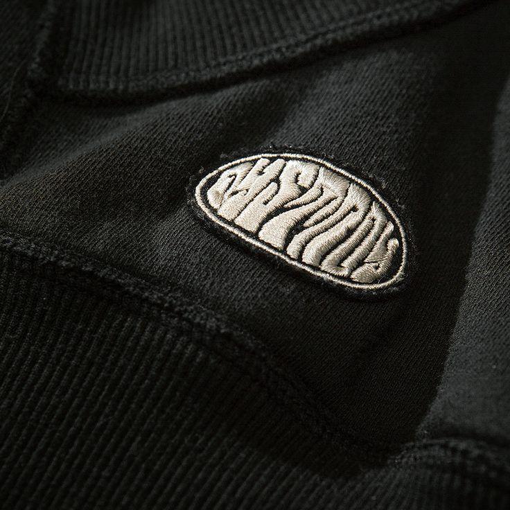 """DYSTROY Zip-Hoody """"Roadkill"""" Logo Patch https://www.dystroy.com/Hoodies/Road-Kill-anthrazit.html"""