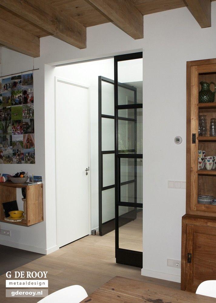 http://www.stalen-binnendeuren.nl/voorbeelden-stalen-deuren/29-stalen-schuifdeuren-utrecht