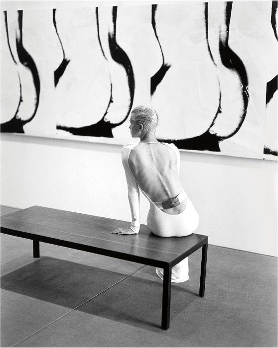Kylie Bax, The Andy Warhol Museum, Pittsburgh, 1996.  Le foto iconiche di Steven Meisel - Style - Il Magazine Moda Uomo del Corriere della Sera