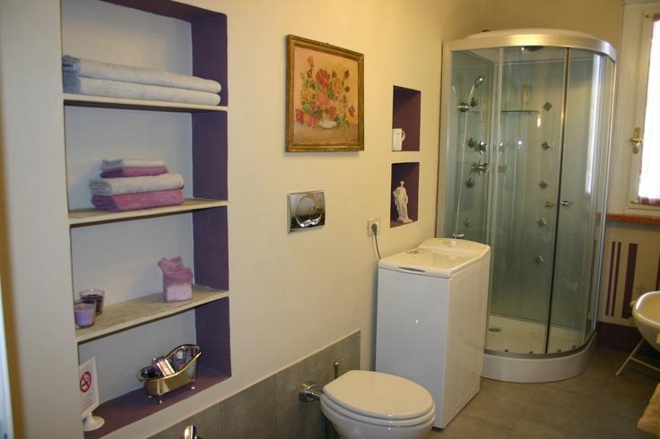 bathroom  www.monticlaris.it