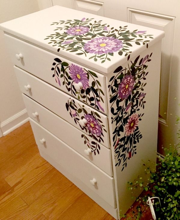 Today's reader feature is this awesome DIY Floral Dresser, which was submitted by Teresa.  The dresser had 4 coats of old paint, and she sanded all the way through that down to the original wood. Next, she whipped up some chalk-like paint, and applied it to the dresser. Next, she transferred the a Leaf Graphic repeatedly, …