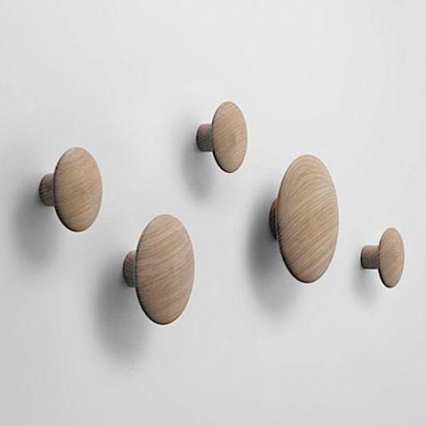 To buy: Muuto - The Dots - knag