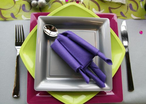 17 best images about pliage de serviettes on pinterest napkin folding towels and chemises - Pliage serviette halloween ...
