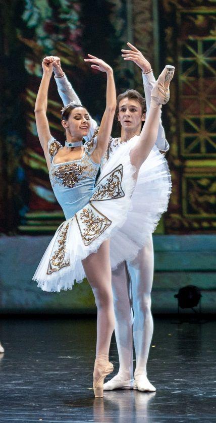 Kristina Kretova and Semyon Chudin performing the Grand Pas de Deux Electrique from Bluebeard. Photo by Jack Devant