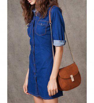 Robe pour petite poitrine : une robe en jean boutonnée, Stradivarius, 29,95€