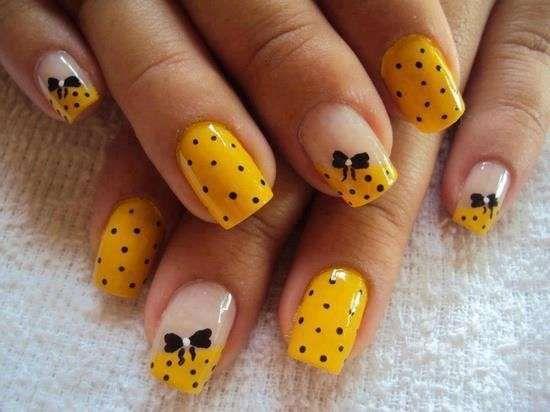 Decorazioni unghie semplici da realizzare: eccone alcune  (Foto 26/44) | Donna
