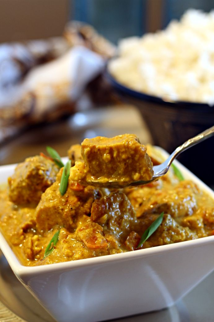 """Indian Chicken Korma (3 lbs chicken breasts, spices, 2 white onions, 3 large tomatoes, 1/2 cup almond meal, 1 cup coconut milk, 1.5 cups """"yogurt"""", etc.)"""