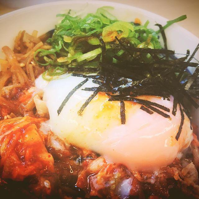 おはようございます💕✽.。.:*・゚ ✽.。.:*・゚ ✽.。.:*・゚ ✽.。.:*・゚ ✽.。.:*・゚ ✽.。.:*・゚ ✽.。.:*・゚ ✽.。.:*・゚ ✽.。.:*・゚ ✽.。.:*・゚  #キャベツ #キムチ #たまご  #松屋 #ねぎ #日本 #おいしい  #昼ごはん #晩ご飯 #にく #みそしる  #卵 #キムチ牛丼 #牛丼 #ランチ  #牛 #beef #牛肉 #丼 #肉 #japan #food #yummy #dinner #lunch  #温泉たまご #日本料理  #夕食 #海苔  #のり