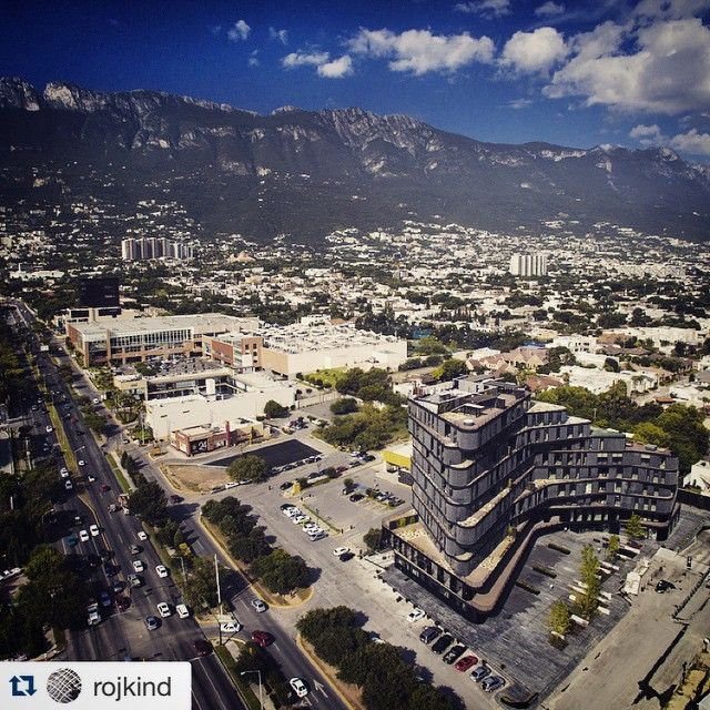 #Repost @rojkind with @repostapp. ・・・ Great  by @adrianllaguno of our #highparkmty project  #DroneSessions